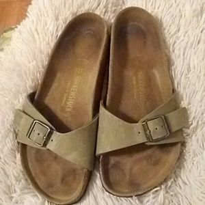 Birkenstock buckle sandals size 38-7-7.5-8